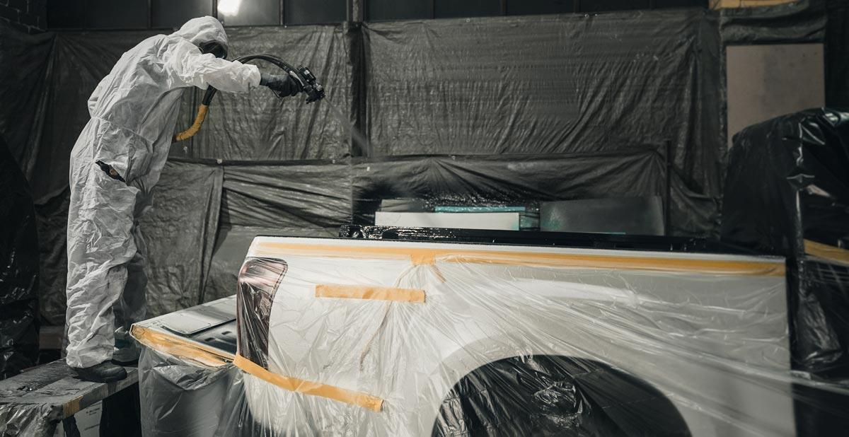 Spray linings for pickup-trucks, spraying